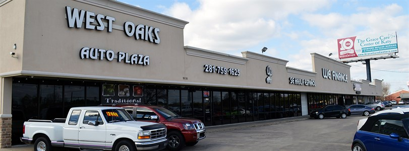Weitzman negotiates sale of Houston retail center