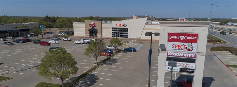 Spec's locates in Cedar Hill Pointe anchor space