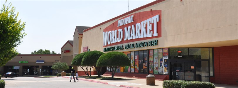 Weitzman negotiates sale of DFW retail center